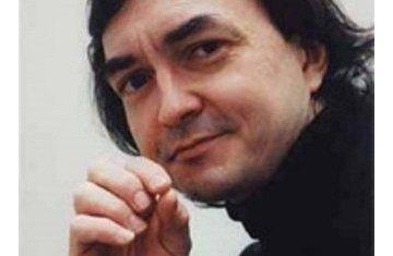 Французский пианист Пьер-Лоран Эмар